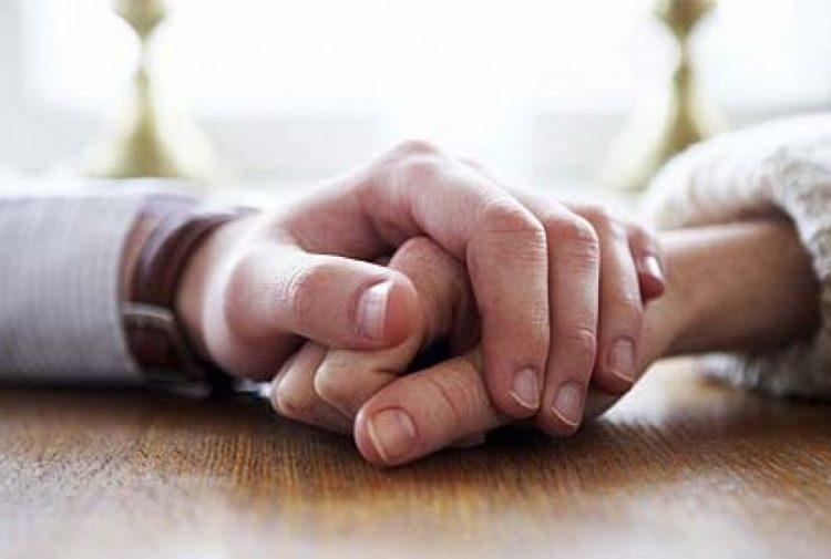 Posisi Hubungan Intim Suami Istri Menurut Islam